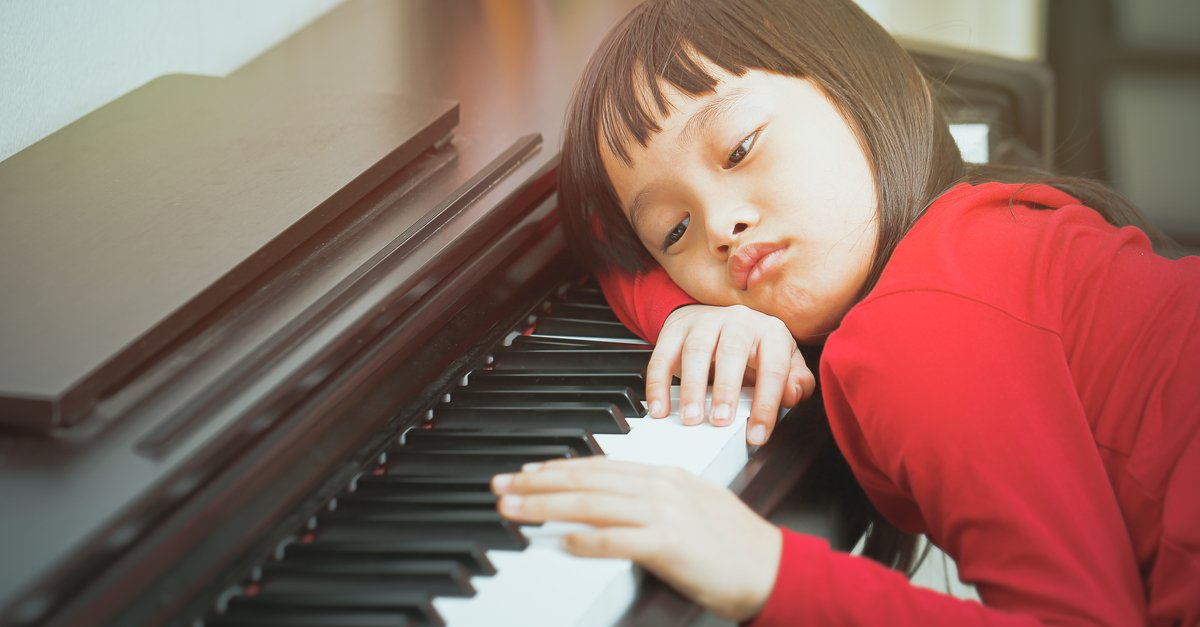 how to get gets to practice piano